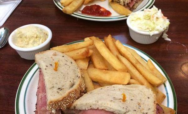 Brent's Deli tweets Twitter restaurant delicatessen Northridge Westlake Village Los Angeles
